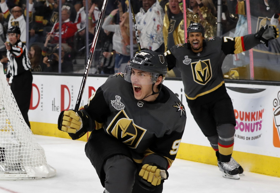 ca4856e4c Golden Knights outlast Caps 6-4 in Stanley Cup Final opener