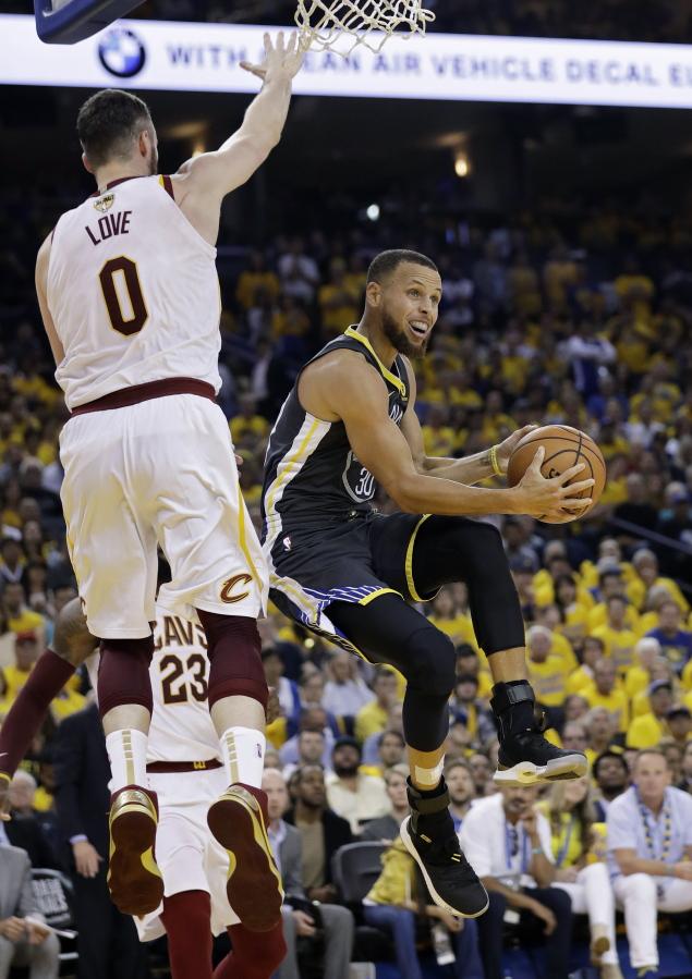 373b32aa092d Golden State Warriors guard Stephen Curry