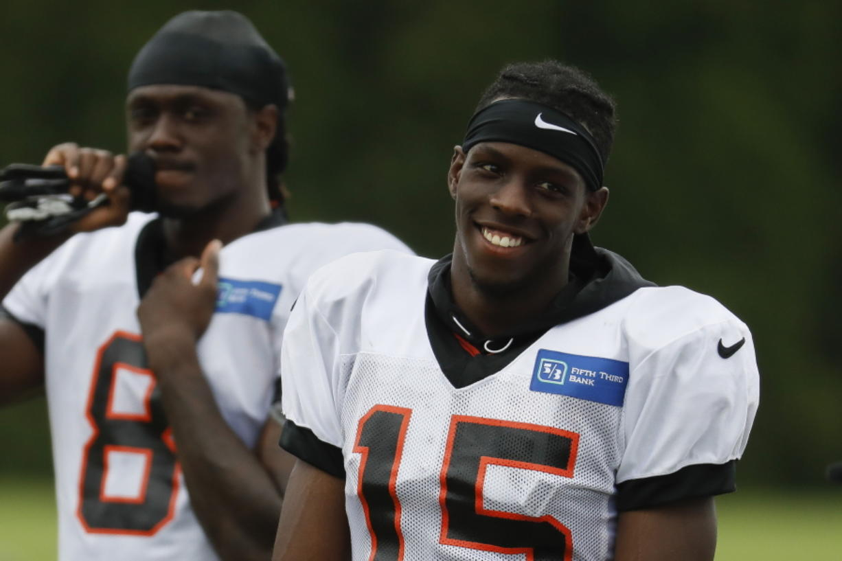 best cheap 3fbbb d8604 Former UW receiver John Ross looking for 2nd chance with ...