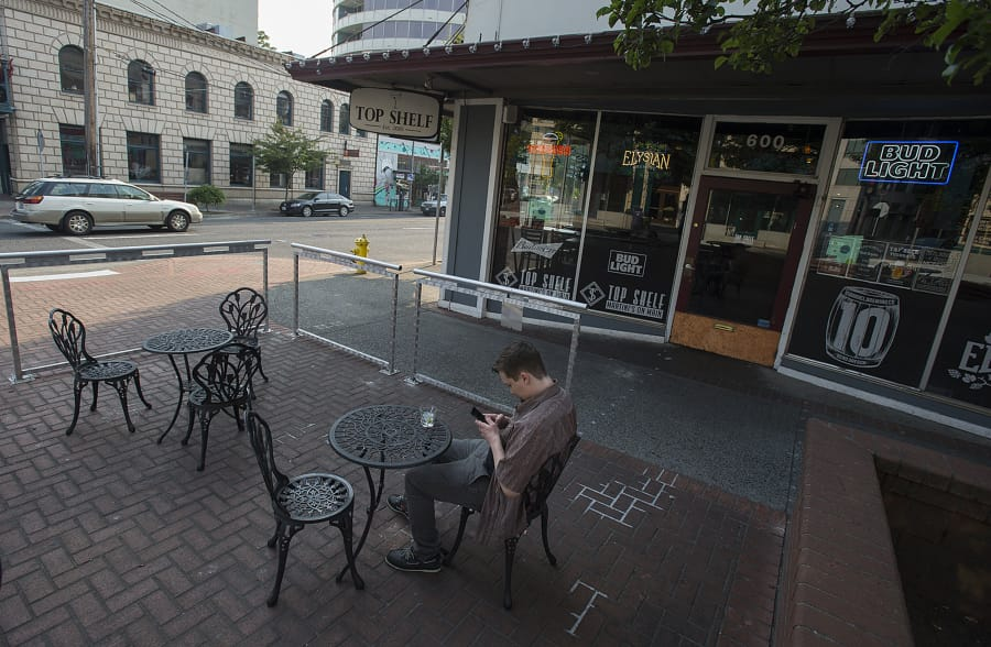 Downtown Vancouver Bar Works With City, State For U0027win Winu0027 End To Sidewalk  Dilemma
