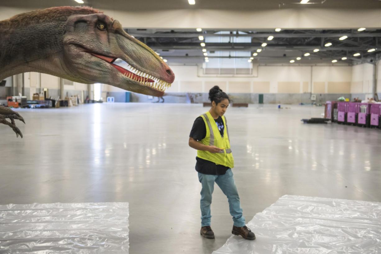 Jurassic Quest puts animatronic dinosaurs on display