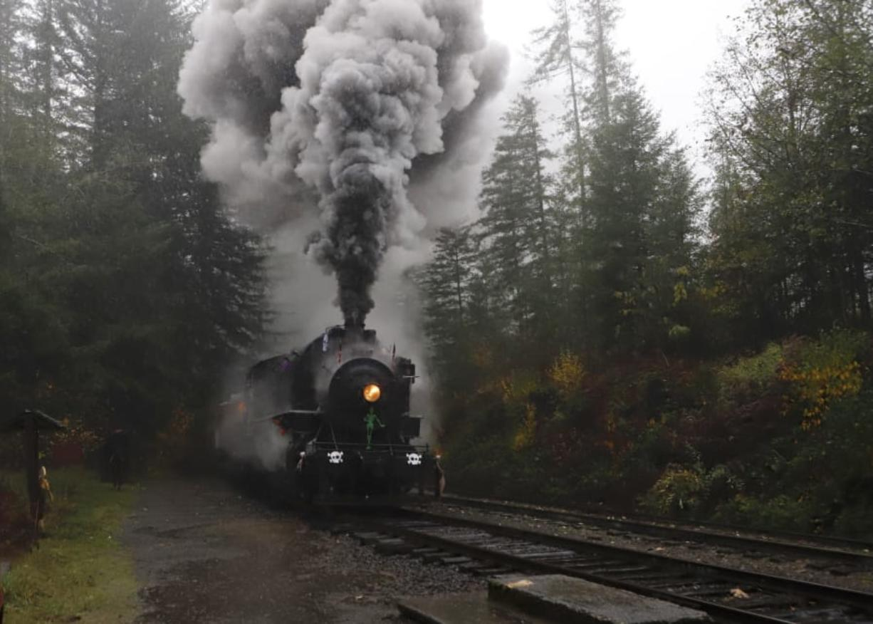 Annual Holiday Tree Train Rides Suspended Columbian Com