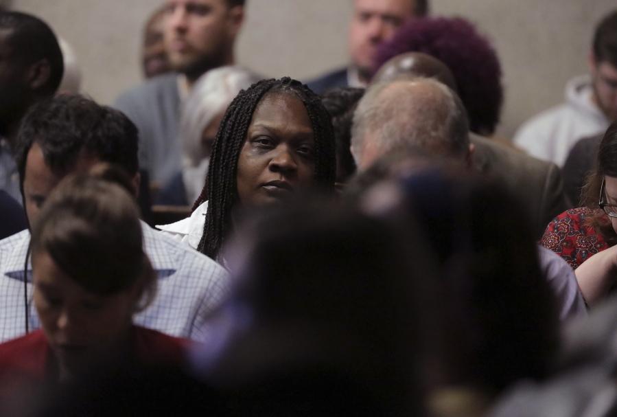 Attorneys rest cases in Chicago officer's murder trial ...