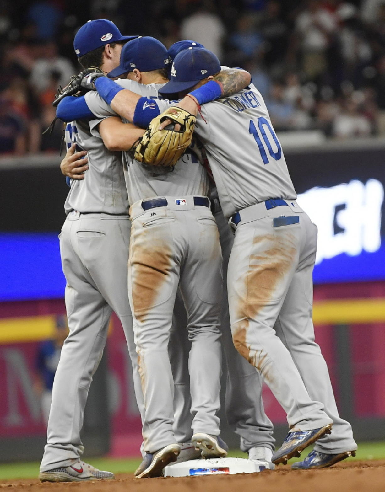 Dodgers finish off Braves in NLDS with 6-2 win - Columbian com