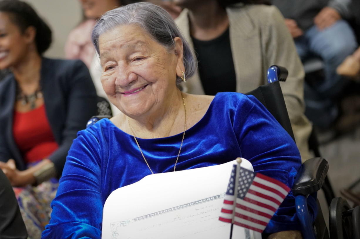 106-year-old woman with desire to vote becomes a citizen on