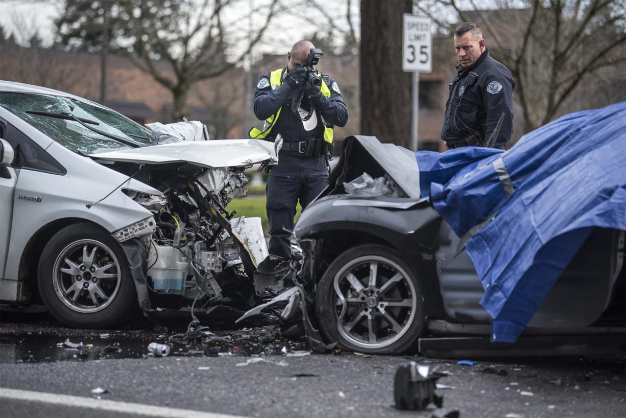 One person killed in east Vancouver crash - Columbian com
