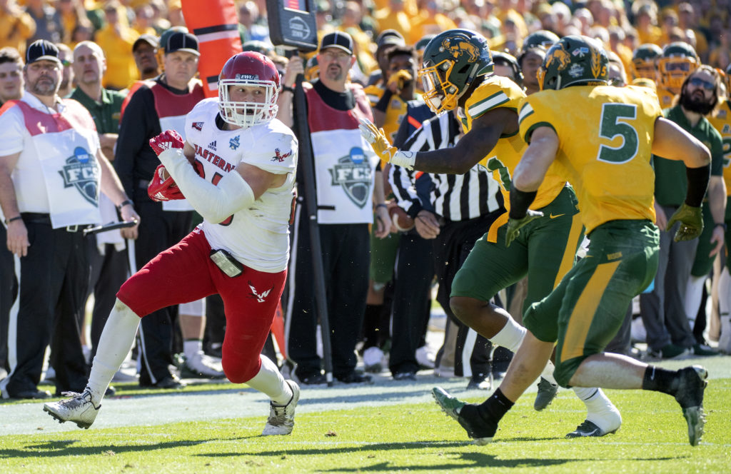 Eastern Washington tight end Jayce Gilder (89) turns upfield against North  Dakota State cornerback 4c11362f5
