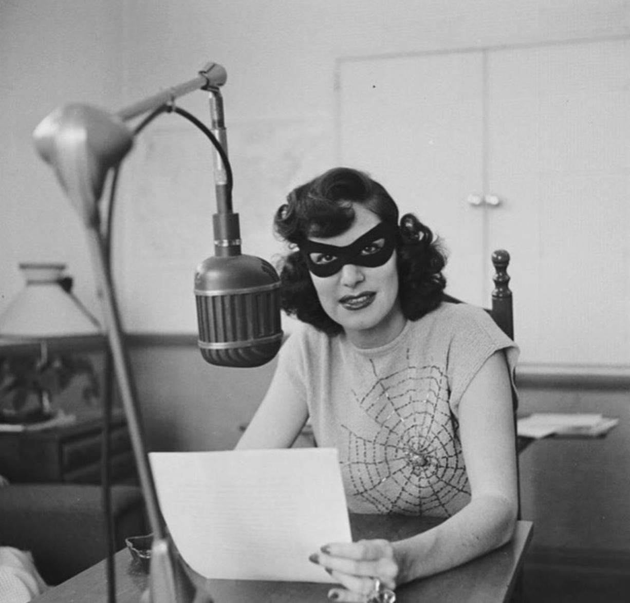 """Hiiiii, baaaybeee,"" the radio broadcaster called Lonesome Gal used to whisper suggestively to you and you alone — you being millions of men captivated by their very first ""virtual"" girlfriend. When Lonesome Gal made personal appearances, she'd wear a cat mask to hide her real identity — which was Jean King, an Ohio broadcaster."