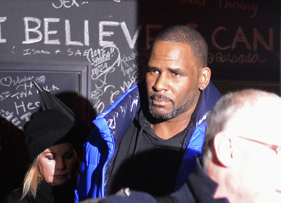 Judge Gives R Kelly Chance To Go Free While Awaiting Trial The