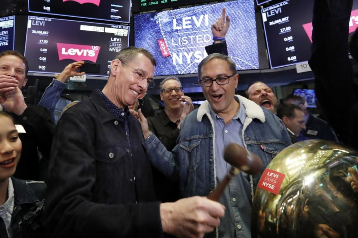 One More Time Levi Strauss Goes Public Again The Columbian