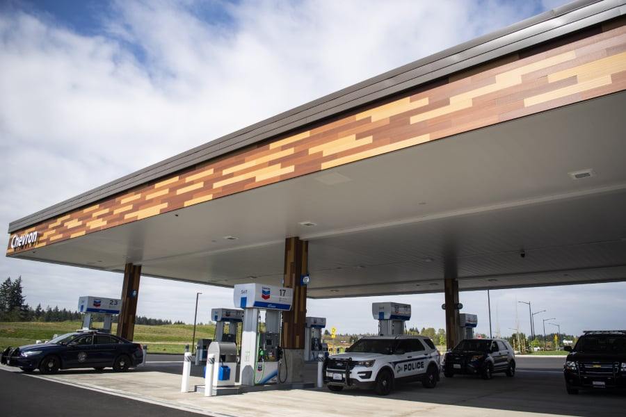 Near Gas Station >> Cowlitz Crossing Gas Station Convenience Store Opens Near Ilani