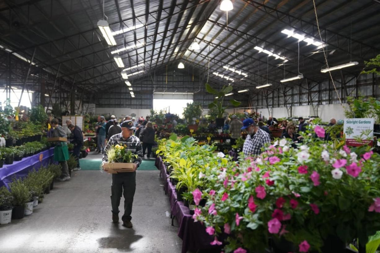 Bright Ideas Abound At Home Garden Idea Fair Columbiancom