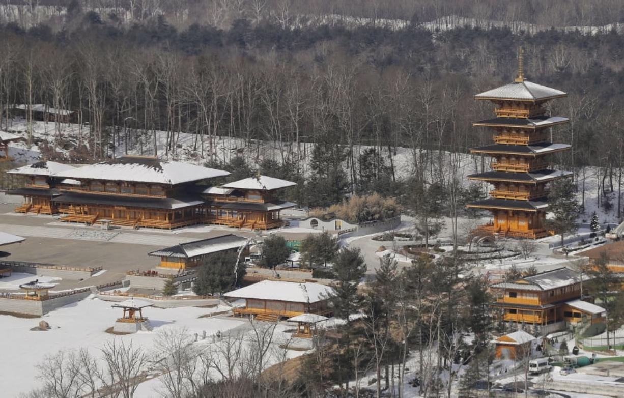Falun Gong U.S. compound's neighbors fret over expansion ... on