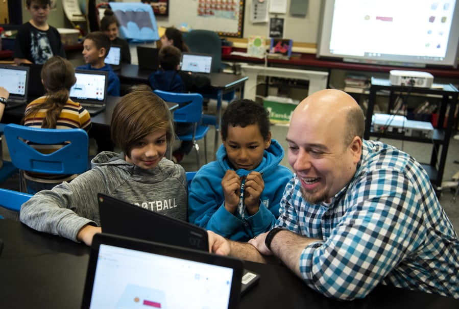 makerspace draws a crowd at burnt bridge creek elementary