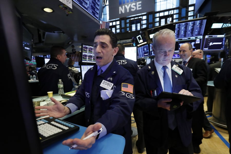 Dow Jones falls 473 points as US-China trade fears escalate