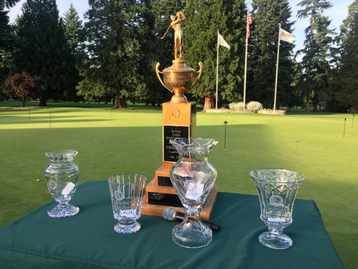 The awards stand at Royal Oaks awaits the winners of the 2019 Royal Oaks Invitational.