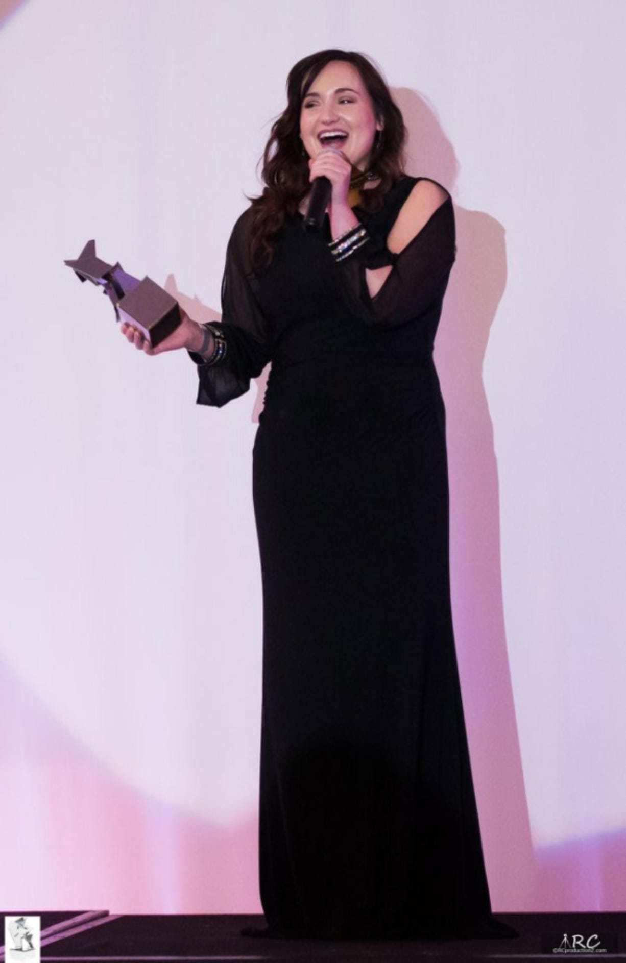 Mountain View High School graduate Angela Cruze received the Denise White Award at the 2019 Global Beauty Awards for her experience in the foster care system and dedication to helping youth.