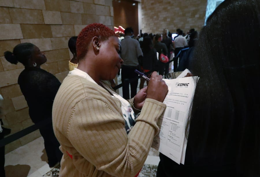 US Added 164K Jobs In July, Unemployment Rate Remains Steady