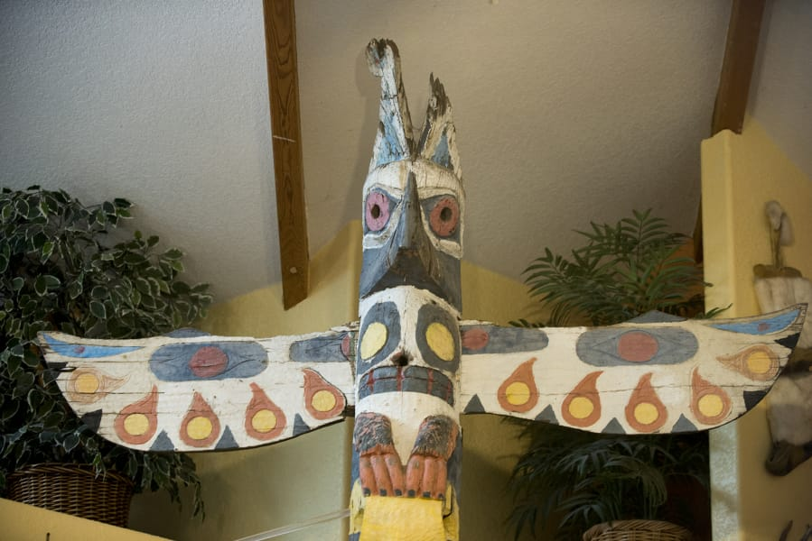 Clark Asks: What happened to the totem pole at the old Totem ... on native american bolo ties for men, native american wigwams, native american homes, native american hogan, native american round houses, native american paper artwork, native american yurok history, native american grass houses, native american wattle and daub, native american adobe houses, native american houses school project, native american lodge, native american wooden houses, native american yurt, native american indian shelters, native american wickiup, native americans igloos, native american teepee, native american sites in nh, native american indian tribe diorama,