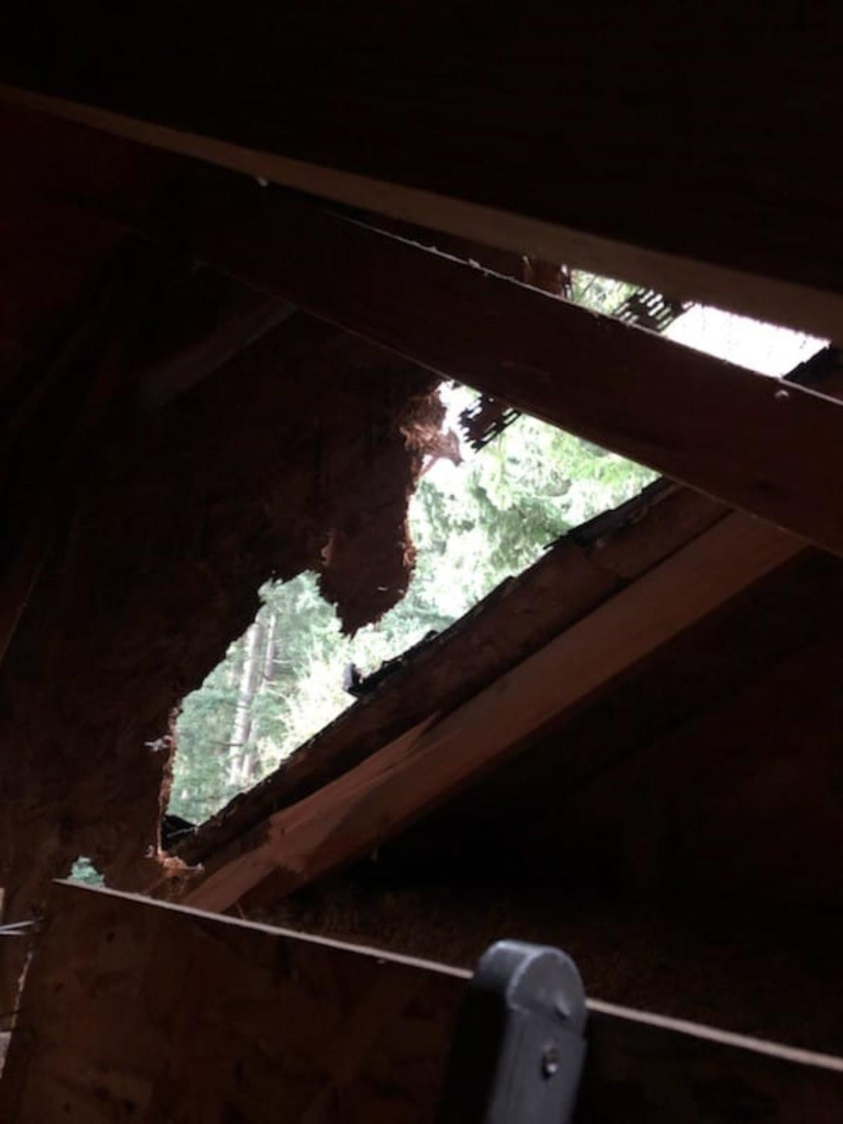 Lightning Strikes Damages Vancouver House Columbian