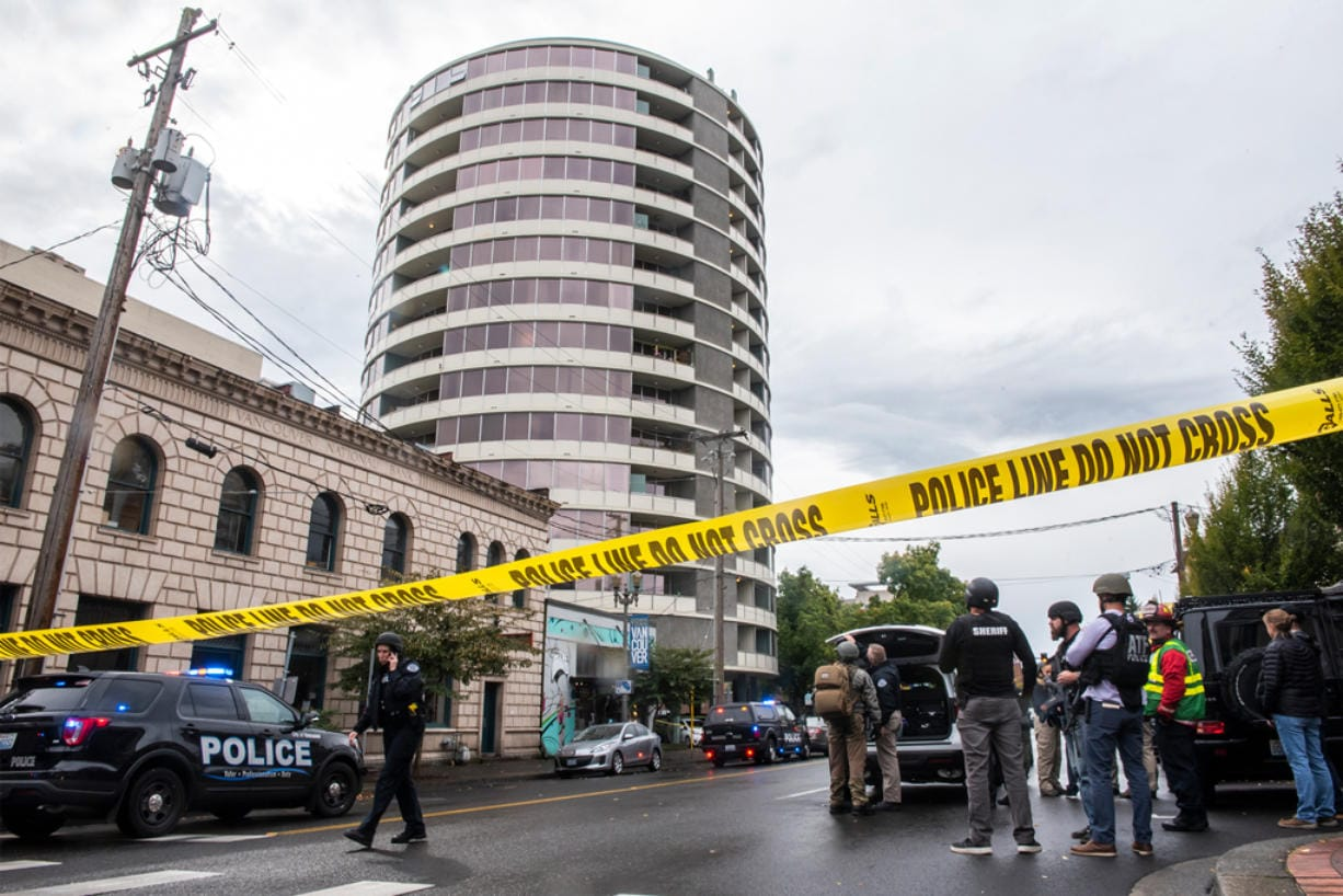One Dead In Shooting At Smith Tower Vancouver Suspect