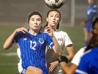 Girls soccer: Lakes beats Mountain View at bi-districts