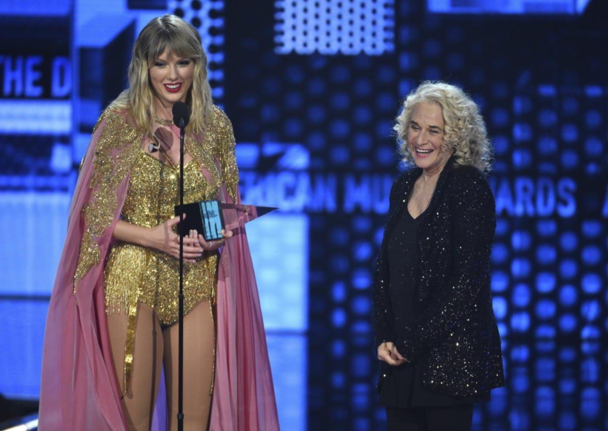 Taylor Swift Passes Jackson S Ama Record Columbian Com