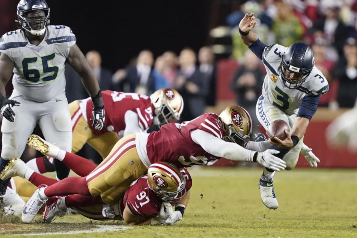 Seahawks Knock 49ers From Unbeaten Ranks With 27 24 Ot Win