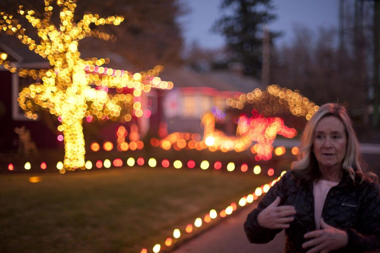 Colombian Vancouver Wa Christmas Lights 2020 Christmas decorating brings Lincoln neighbors together   Columbian.com