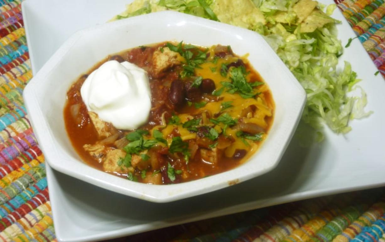 Mexican Chicken Chili and Tortilla Salad, perfect for Super Bowl Sunday. (Linda Gassenheimer/TNS)