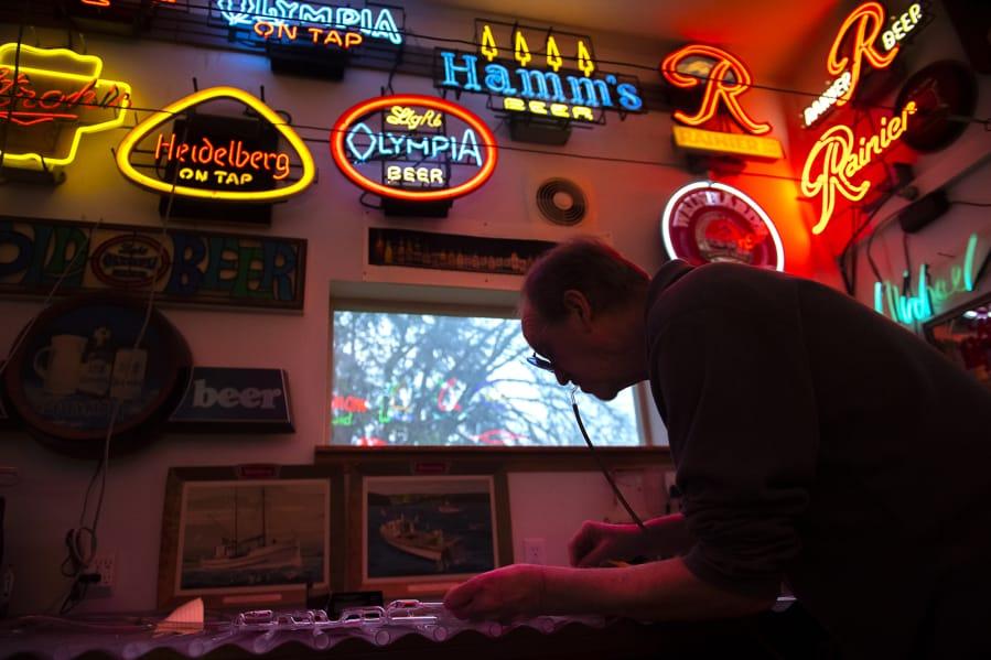 Gas 'n Glass owner seeks buyer for Ridgefield neon sign shop