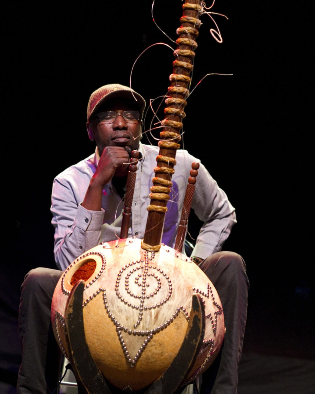 Ballake Sissoko performs in France on April 20, 2013. (Guillemin/DAPR/ZUMAPRESS.com)
