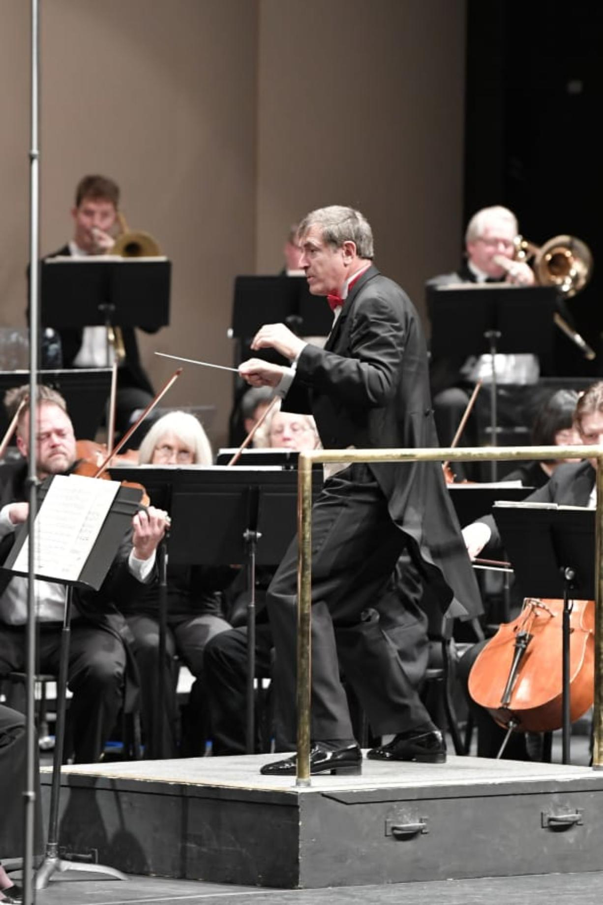 Salvador Brotons conducts the Vancouver Symphony Orchestra.