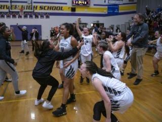 Girls basketball: Hudson's Bay beats Prairie, 46-45