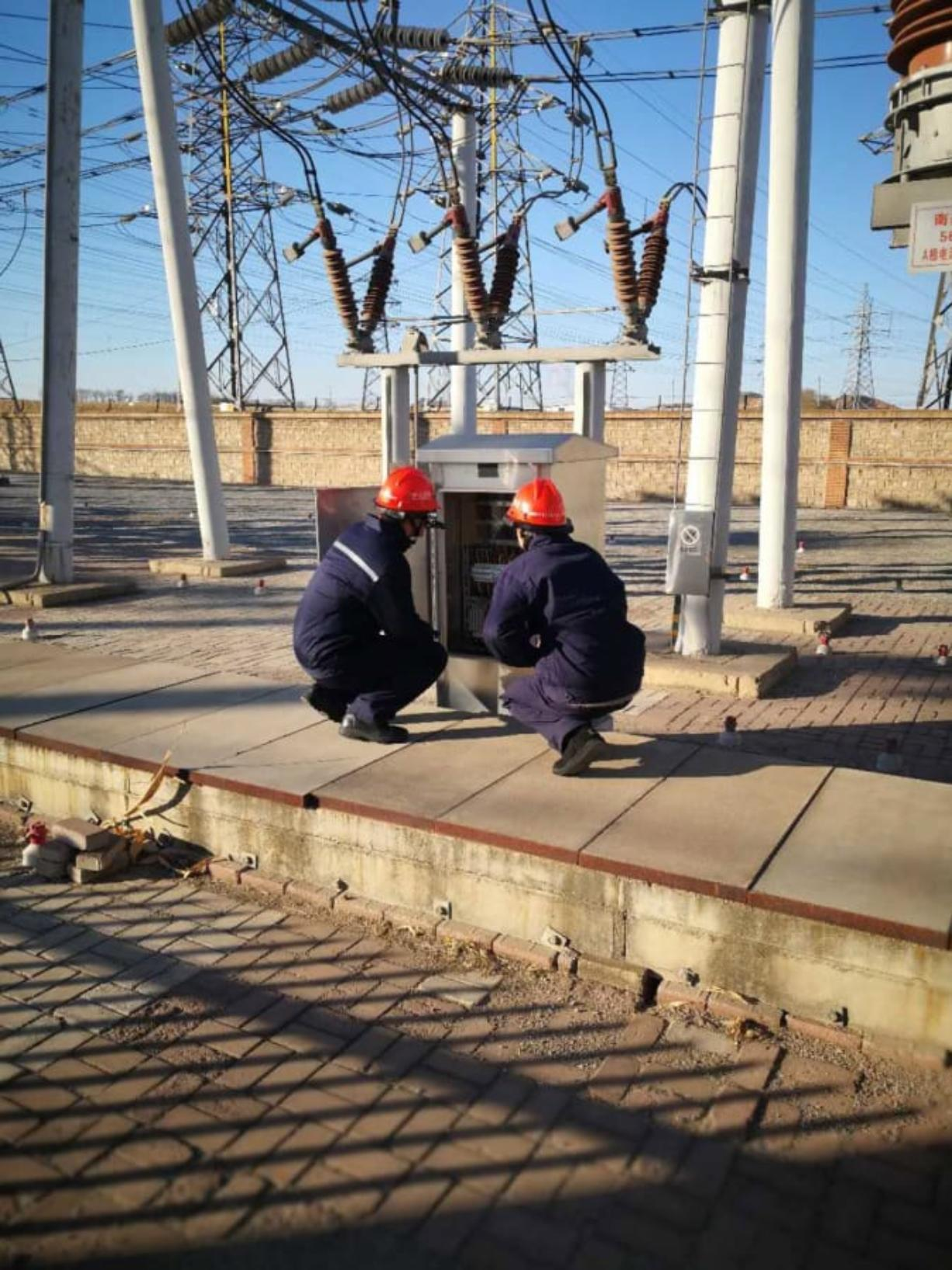 Workers for State Grid, China's state utility company, work in the field using RealWear's augmented-reality headset. The company said its business in China has been disrupted by the coronavirus outbreak, but it's been able to adjust to most of the impacts so far. (Courtesy of RealWear)