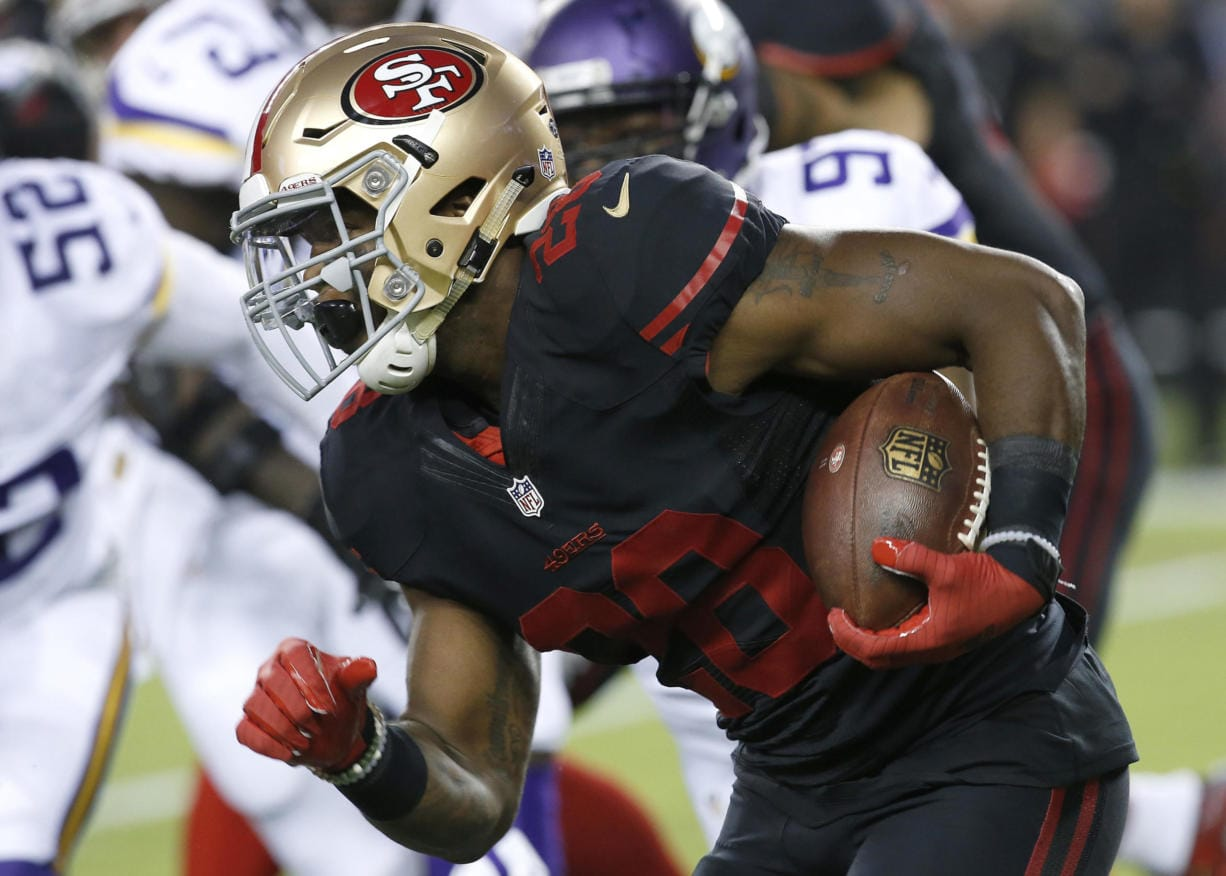 Former San Francisco 49ers running back Carlos Hyde (28) signed with the Seattle Seahawks on Thursday, May 28, 2020.