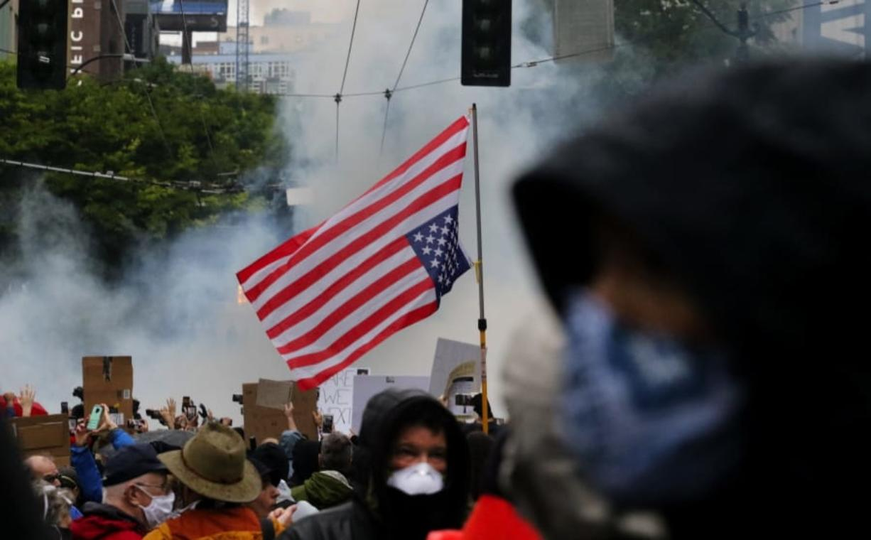 Protests Again Close I 5 Looting Vandalism In Bellevue Columbian Com