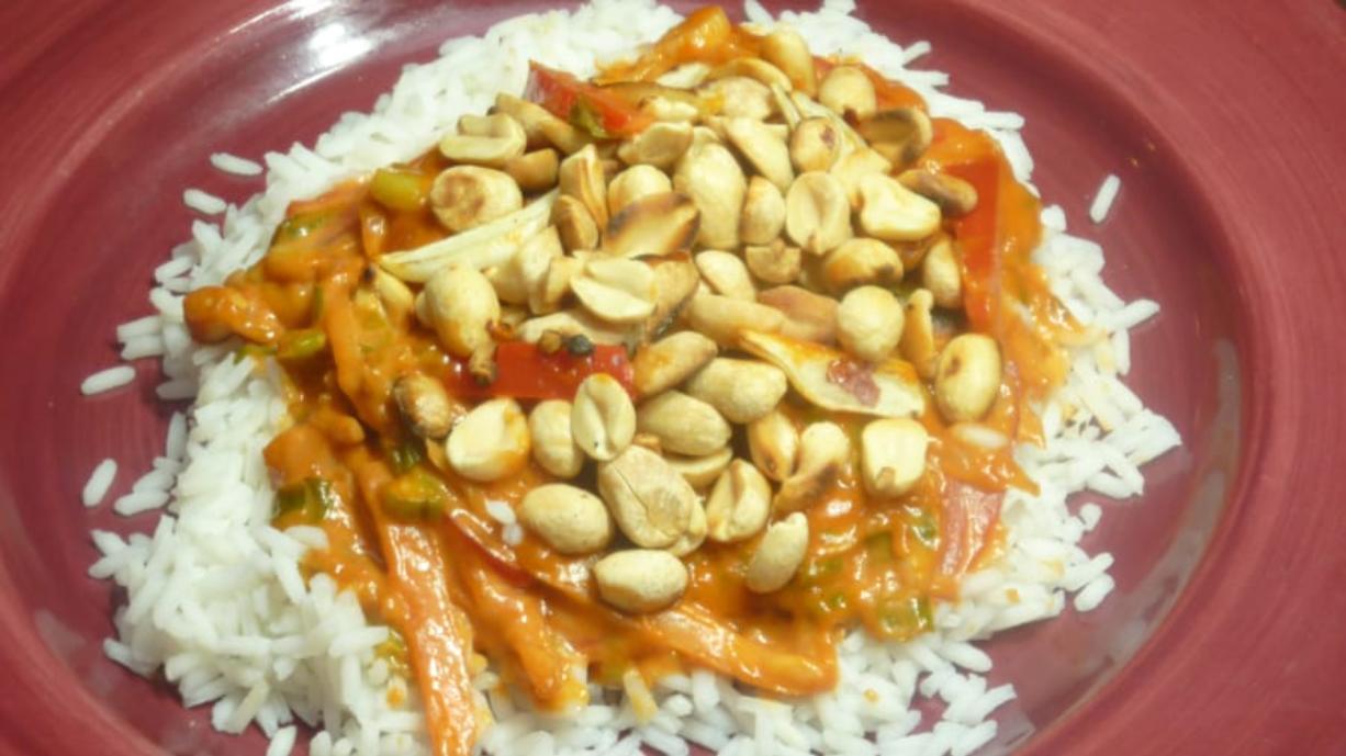 Flavorful rice dish inspired by cookbook of Pakistani cuisine: Vegetarian Kausar Karachi-Style Rice(Linda Gassenheimer/TNS)
