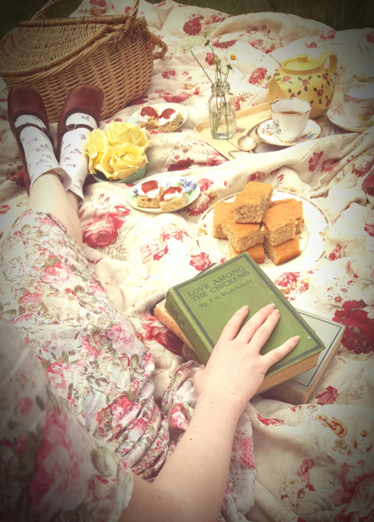 The cottagecore aesthetic is full of flowers, picnics with tea and jam, flowing dresses and relaxed pleasures.