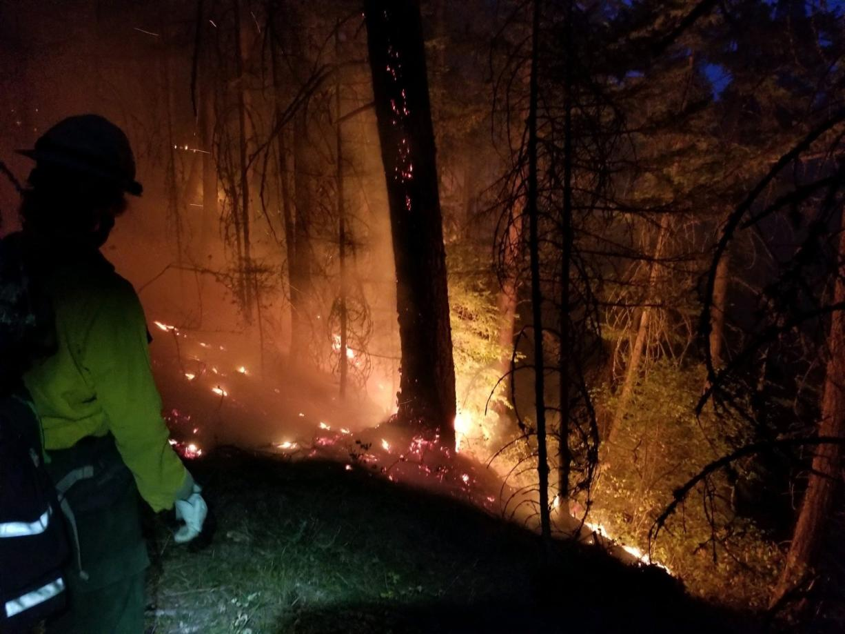 The Mosier Creek Fire was about 800 acres Thursday morning. Active fire behavior in some areas hampered fire crew's efforts to establish containment lines overnight.