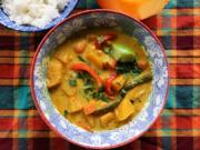 "Thai pumpkin curry is made with cubed ""Touch of Autumn"" pumpkin, coconut milk and red curry paste. Green beans and bell pepper add crunch."