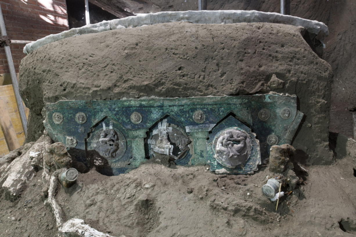 Officials at the Pompeii archaeological site near Naples on Saturday announced the first-ever discovery of an intact ceremonial chariot, one of several important discoveries made in the same area outside the park following an investigation into an illegal dig.