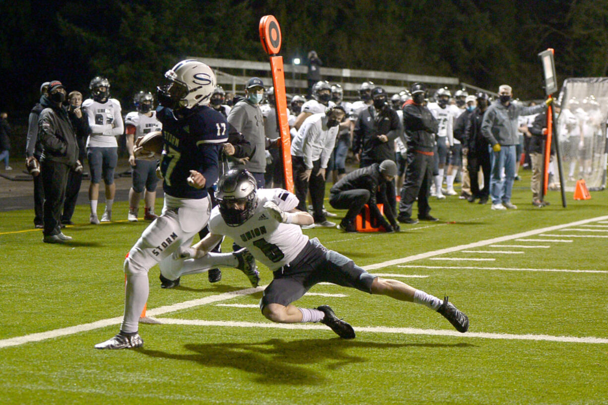 Quarterback Clark Coleman, left, and his Skyview teammates have a quick five-day turnaround ahead of Tuesday's game against Camas.