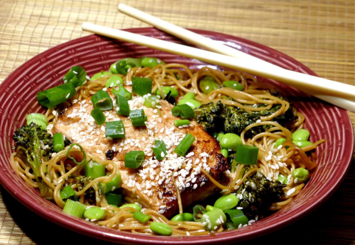 Ginger Salmon With Steamed Noodle Stir-fry (Linda Gassenheimer/TNS)