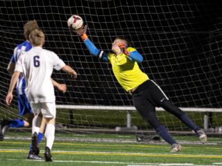 Seton Catholic boys soccer topples La Center 3-1