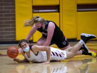Union girls basketball scrapes by Prairie