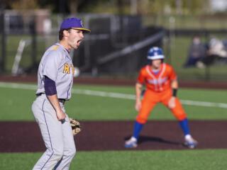 Columbia River tops Ridgefield 4-2 in 2A district baseball