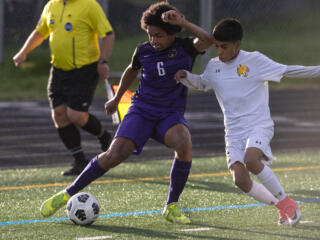 Columbia River boys soccer advances to district championship
