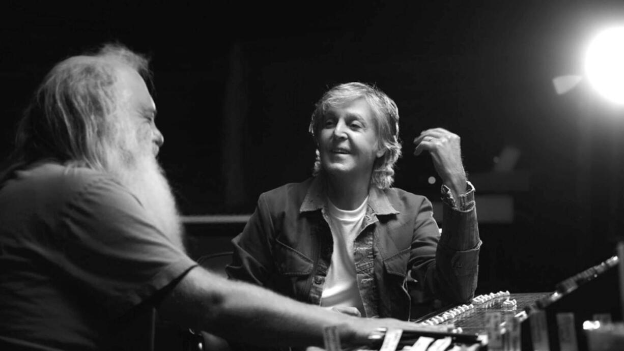 """Paul McCartney sits down for a rare interview with producer Rick Rubin in """"McCartney 3,2,1."""" (Hulu)"""