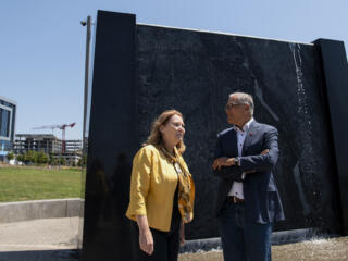 Gov. Inslee visits Vancouver Waterfront
